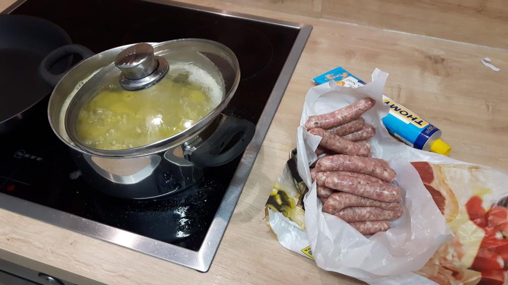 12 in 12 im März 2016, Alltag mit Kind, Familienalltag, Tag in Bildern, Abendessen kochen, Nürnberger Bratwürste