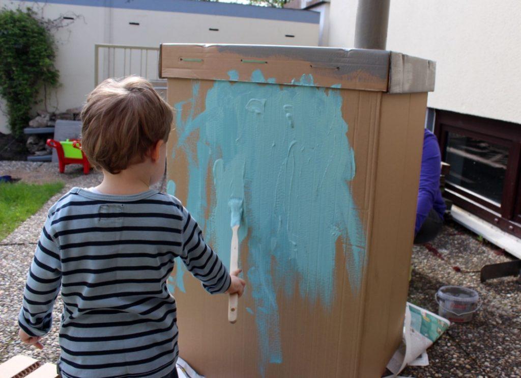 Wir bauen ein Kartonhaus - Kinderhaus (6)