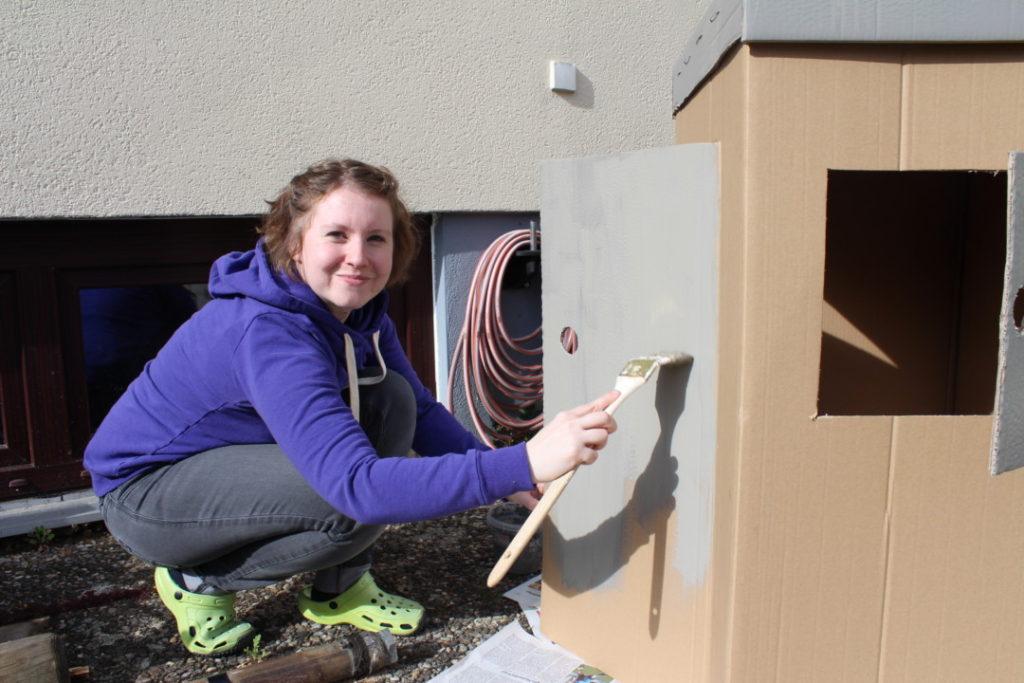 Wir bauen ein Kartonhaus - Kinderhaus (7)