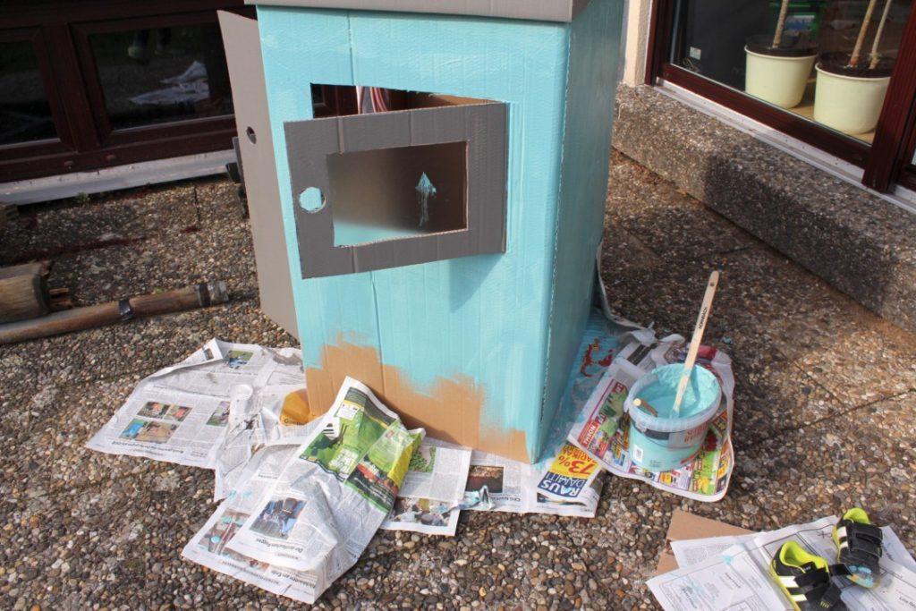 Wir bauen ein Kartonhaus - Kinderhaus (9)
