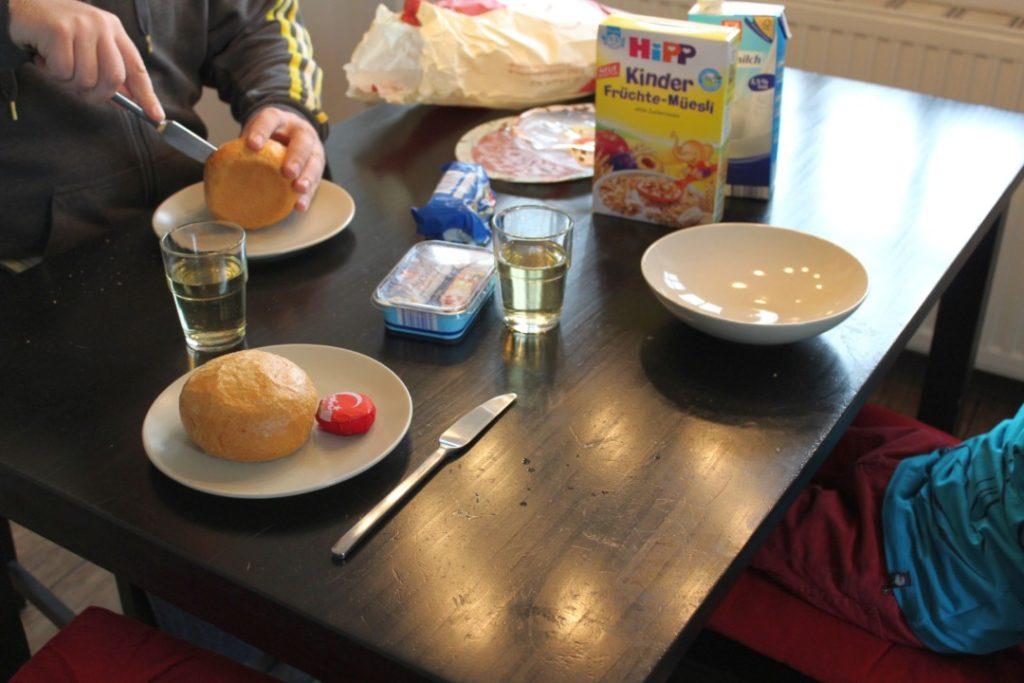 12in12-August-03-Frühstücken
