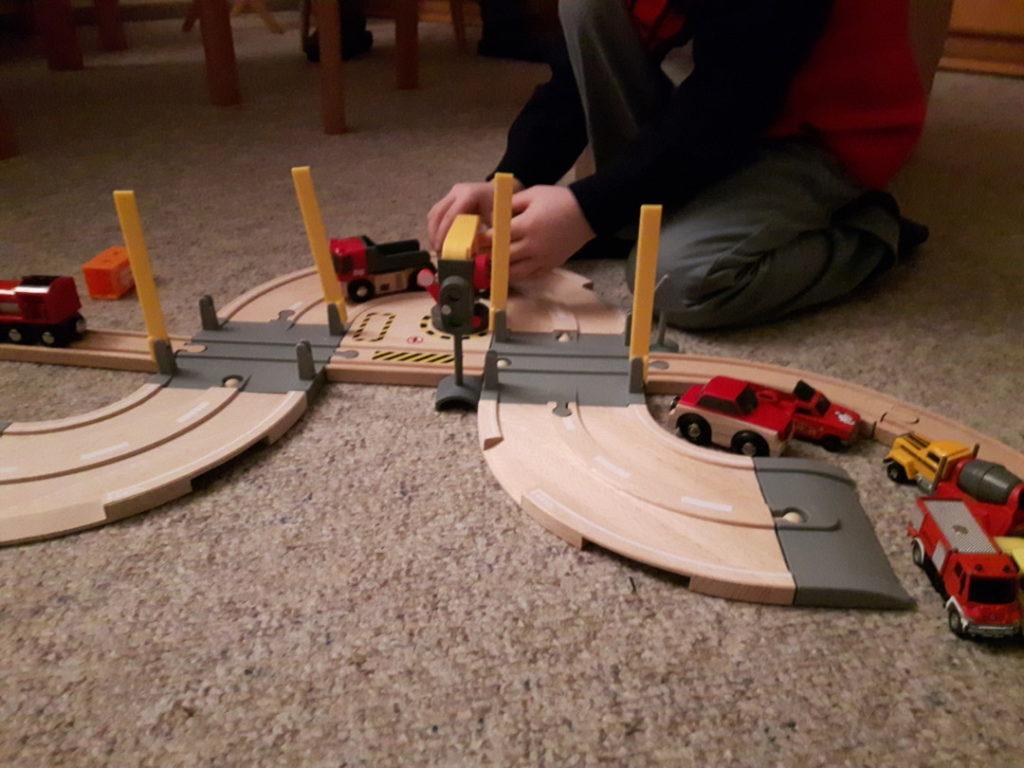 261216-brio-eisenbahn-weihnachtsgeschenk