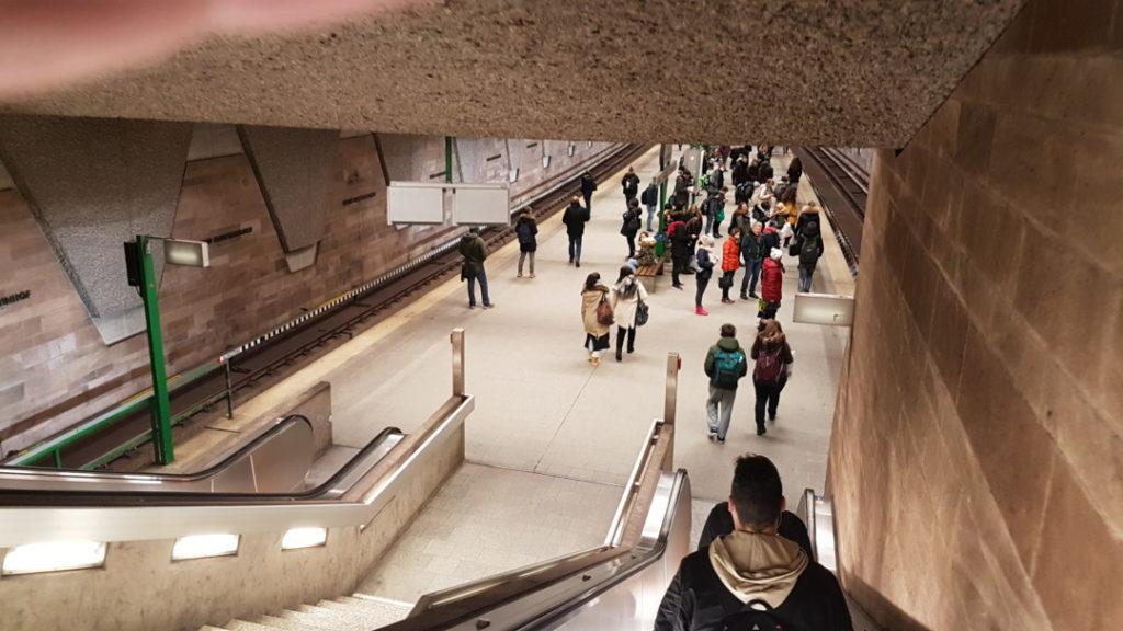 12von12 - Januar - 004 - U-Bahn