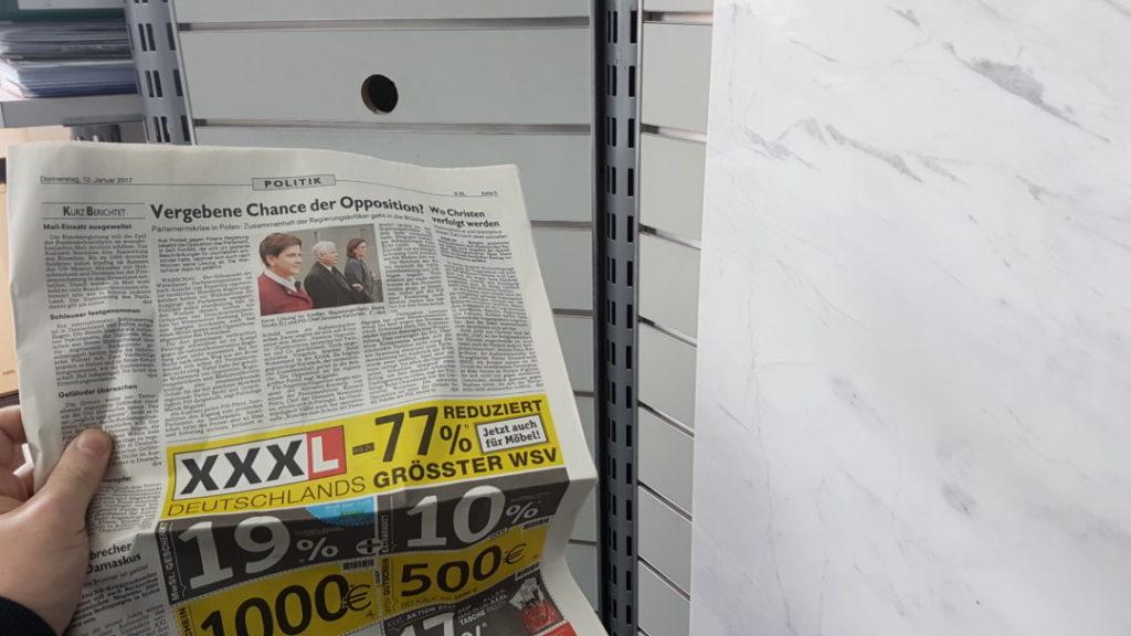 12von12 - Januar - 005 - Zeitunglesen