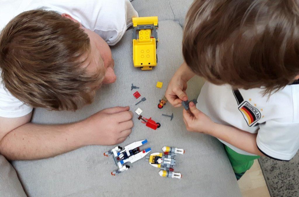12von12 - Juni - Lego spielen