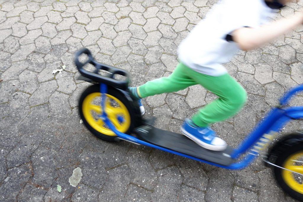 12von12 - Juni - Roller fahren
