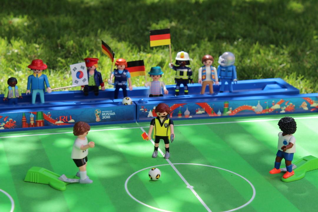 playmobil fussball arena fussballfans selber basteln