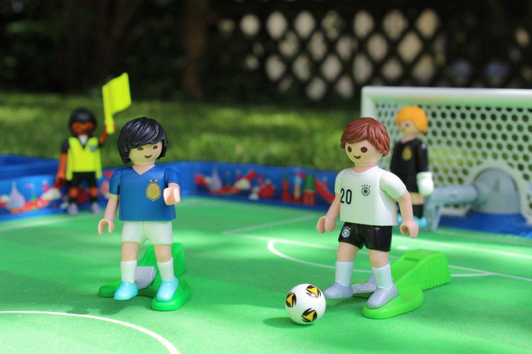 vorfreude auf die fußball weltmeisterschaft mit playmobil